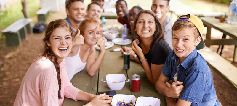 Ученые опровергли, что у людей не может быть больше 150 друзей