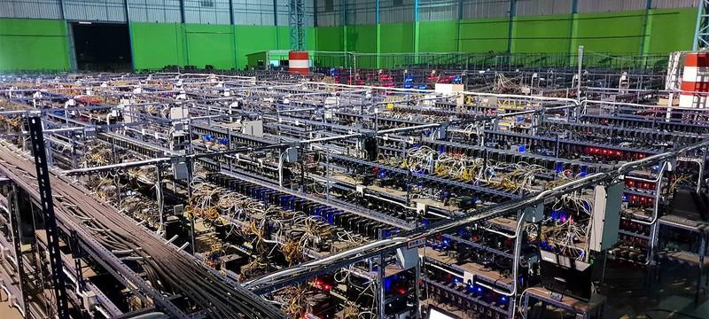 Биткоин рухнул ниже 32 тысяч долларов из-за закрытия майнинговых ферм в Китае