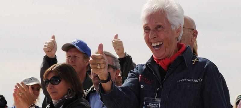 Вместе с Джеффом Безосом в космос полетит 82-летняя Уолли Фанк