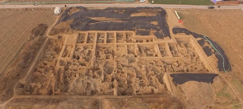 Археологи обнаружили в Китае древнейший монетный двор в мире