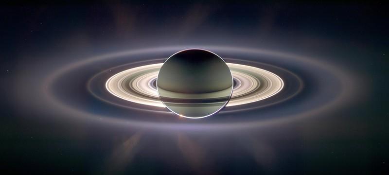 Кольца Сатурна позволили определить размер ядра гигантской планеты