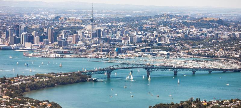 Новая Зеландия больше не может полностью избавиться от коронавируса