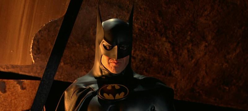 """Майкл Китон о костюме Бэтмена во """"Флеше"""": Он отлично на мне сидит, потому что я такой же стройный"""