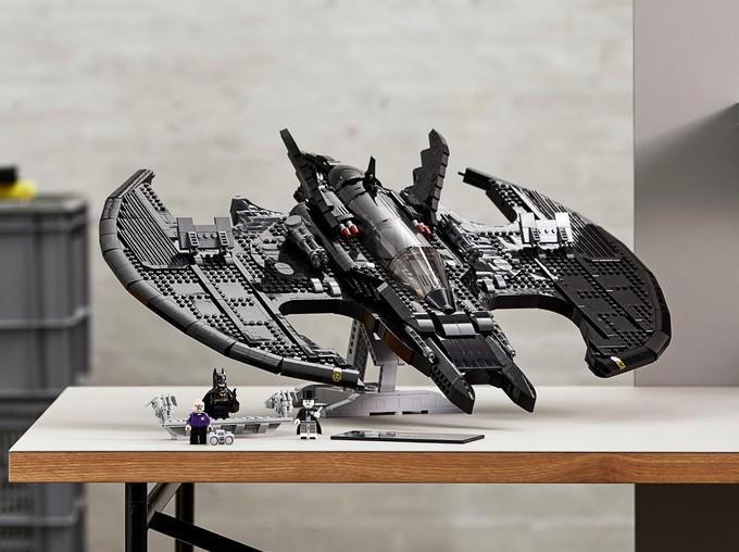 """LEGO выпустит набор с Бэткрылом из фильма """"Бэтмен"""" с Майклом Китоном и Джеком Николсоном"""