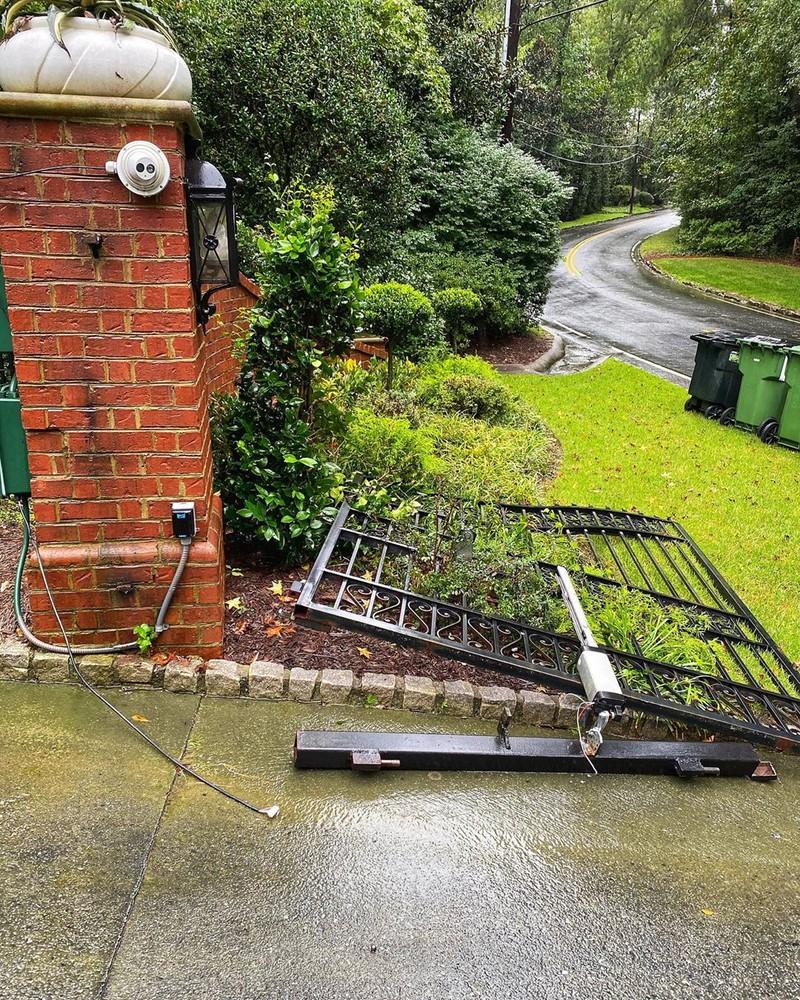 """Дуэйн Джонсон выломал ворота дома, чтобы не опоздать на съемки """"Черного Адама"""""""