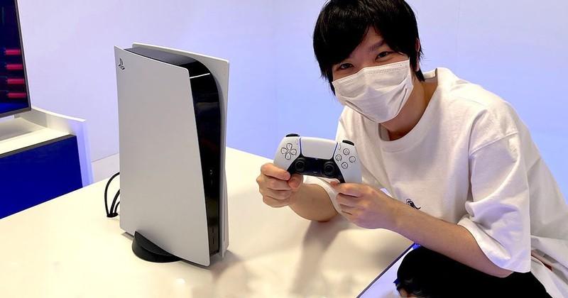 """Первое """"живое"""" фото PS5 в хорошем качестве"""